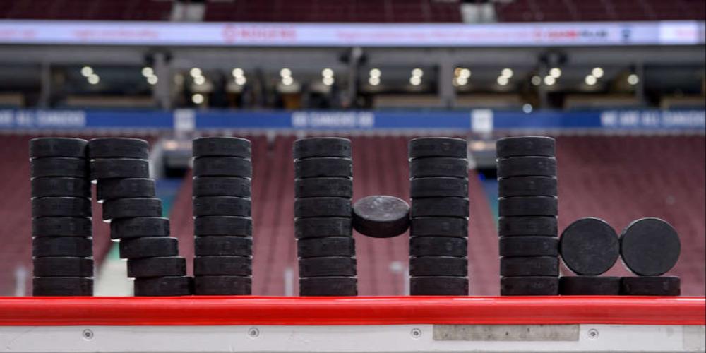 НХЛ шайбы