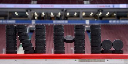 НХЛ перенесла