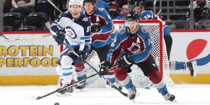 НХЛ перенесла два матча