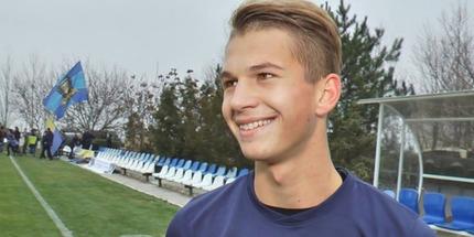 Динамо продлило контракты с Супрягой и Андриевским