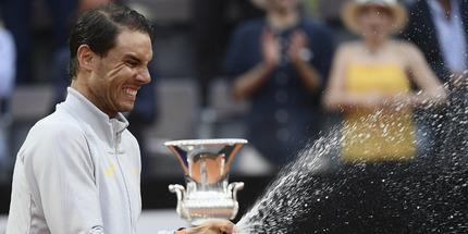 Надаль стал лидером сезона по трофеям, Зверев – по победам