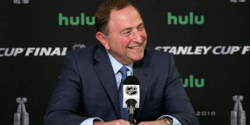 Комиссар НХЛ Гэри Беттмэн будет введен в Зал славы