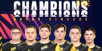 Игроки NAVI — чемпионы BLAST Premier: Global Final 2020 по CS:GO