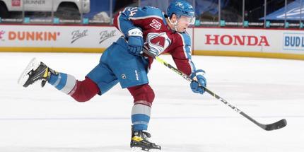 НХЛ наказала защитника
