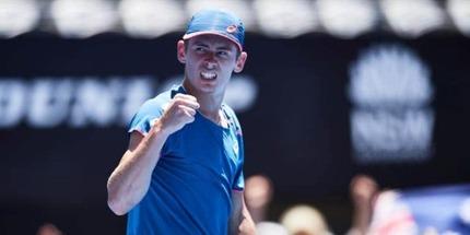 Алекс Де Минаур выиграл турнир в Сиднее