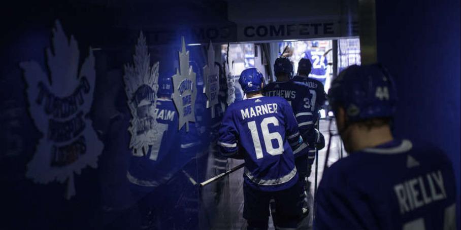 """Хоккеисты """"Торонто"""" выходят на лед"""