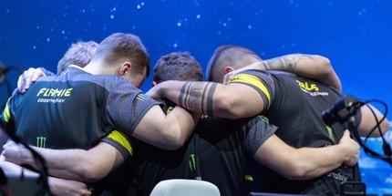 Na'Vi против Vitality — трансляция матча за выход на 2-0 в рамках польского мейджора по CS:GO