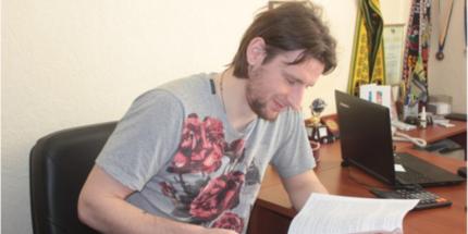 Дедечко подписал контракт с