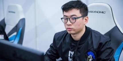 Официально: ВанBananaЦзяо стал новым тренером RNG по Dota 2