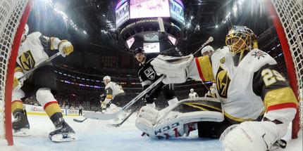 Игроков НХЛ могут обязать постоянно носить маски после возобновления чемпионата
