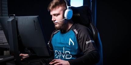 Экс-игрок Gambit Esports стал стендином команды flusha по CS:GO
